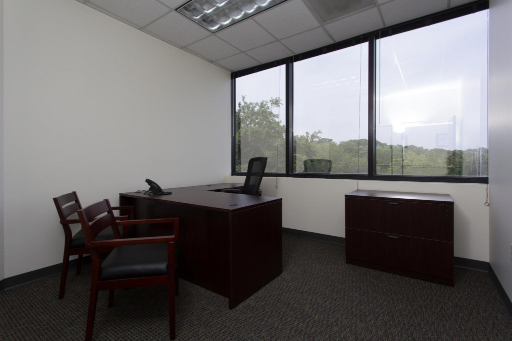 9800 4th St N Saint Petersburg-large-015-Office-1500x1000-72dpi